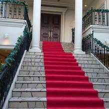 チャペル入り口大階段