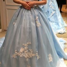 着用したカラードレス お上品な感じ