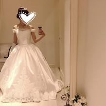 このドレスはジャスト20万円でした!