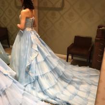 着用したカラードレス