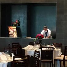 寿司バーと天ぷらバーのある会場もあります