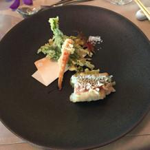 揚げ物、天ぷらです。