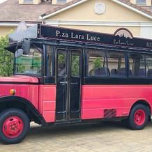 二次会会場行きの赤バス
