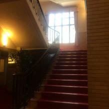 レトロな雰囲気の階段