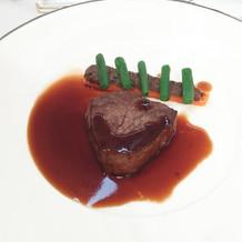 牛フィレ肉のポワレ(数切れ食べられた)