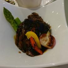 お肉料理。やわらかくて美味しかったです。