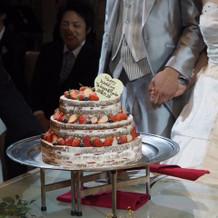 理想通りのネイキッドケーキ