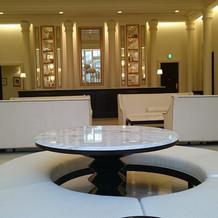 テーブルをウェルカムスペースに飾付け。