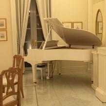 披露宴会場のピアノ伴奏可能①
