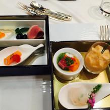 二段重になっている和食の前菜、美味!