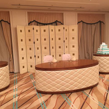 チェリールームのメインテーブル