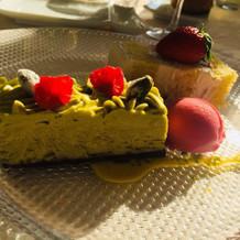 ピスタチオのケーキが好評でした。