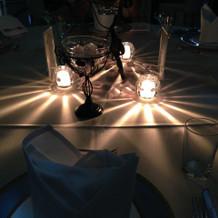 テーブル上の光の演出