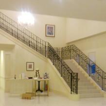 会場の外にも階段があります