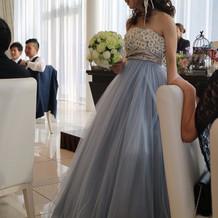 お気に入りのブルーグレーのカラードレス