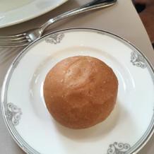 パンはしっとりフワフワで何個でもいける。