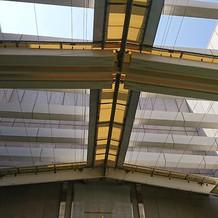 屋外チャペルの天井です