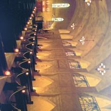 式場の大聖堂。荘厳な雰囲気が別世界のよう