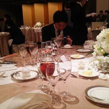 シャンパンに浮いてるバラが可愛かった