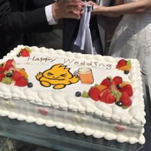 新郎新婦とゲストの共通点をケーキに