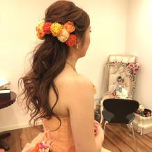前撮り用のカラードレス・ヘッドパーツ
