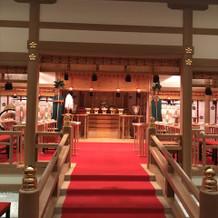 神殿の正面