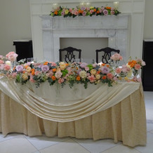 披露宴のメインテーブル