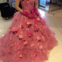 花柄プリントのドレス