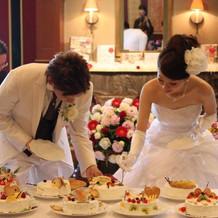 ケーキ入刀のケーキ