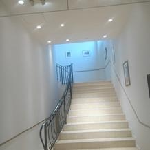 チャペルへ向かう階段