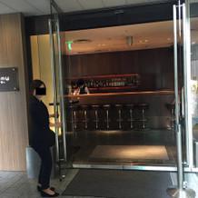 ゲスト控え室への入り口(高級感ありまし)