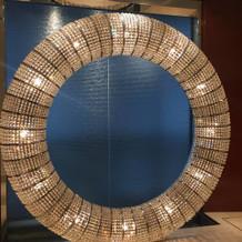 巨大なオブジェ(指輪の形)