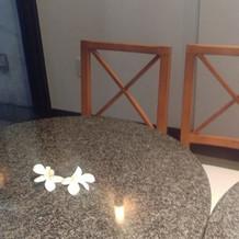 ロビーのテーブル席