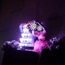 光るシャンパンタワー