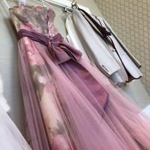 カラードレスは福岡からとりよせました。