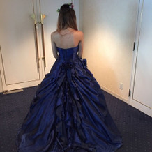 普段選ばないようなドレスを着てみました