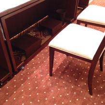 新郎新婦の椅子