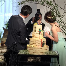 素敵なケーキに自分たちも感激!