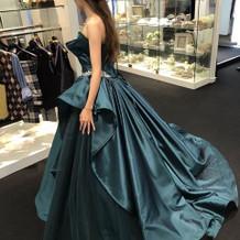カラードレス横