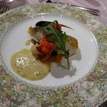 魚料理! ソースを試食して選びました。