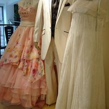 入口のドレス