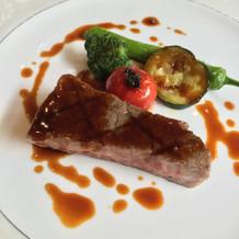 メインの肉料理。