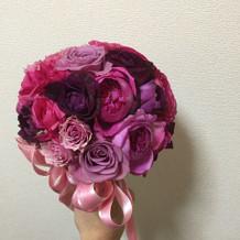 カラードレスの花