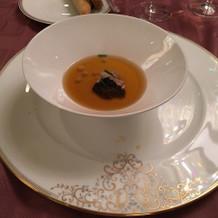 フォアグラとトリュフのコンソメスープ