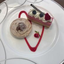 モンブランムースとラズベリーのケーキ