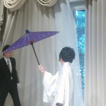 入場時の番傘演出