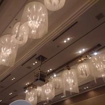 天井がとても高く、開放感あり