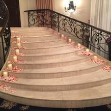 披露宴会場のお姫様階段!