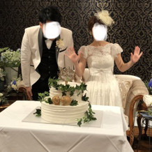 披露宴ではヘッドドレスを変更