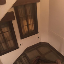 階段です。キャンドルを置いたりしました。